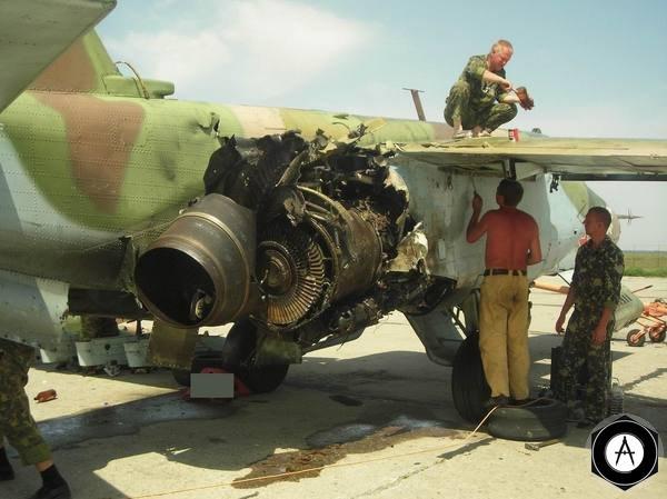 Поврежденный штурмовик Су 25